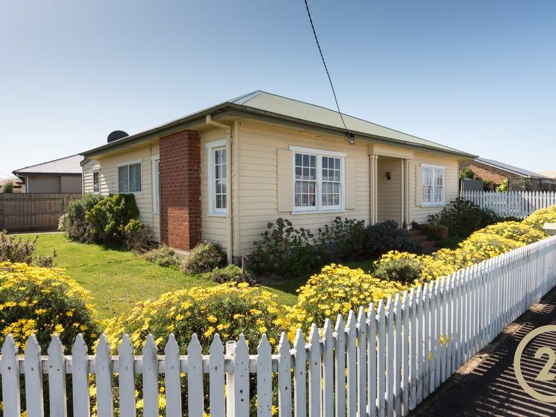 10 Charles Street, Devonport, Tas 7310