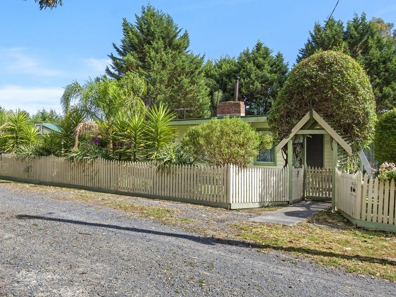 219 Cambridge Road, Mooroolbark, Vic 3138