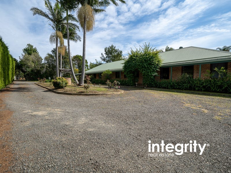 28 Elvin Drive, Bomaderry, NSW 2541