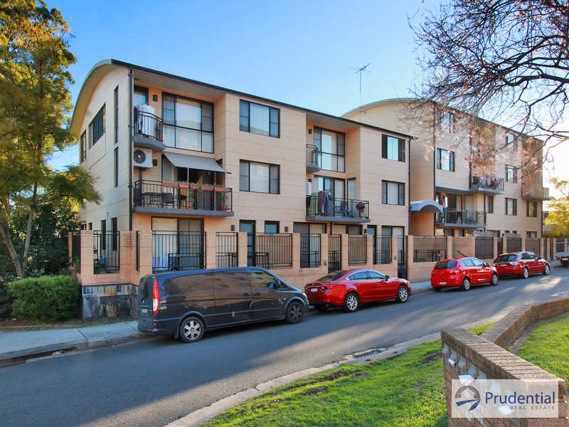 8/11-13 Charles St, Liverpool, NSW 2170