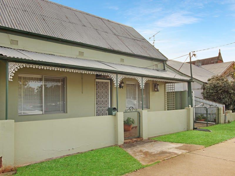 17 Cross Street, Wagga Wagga, NSW 2650