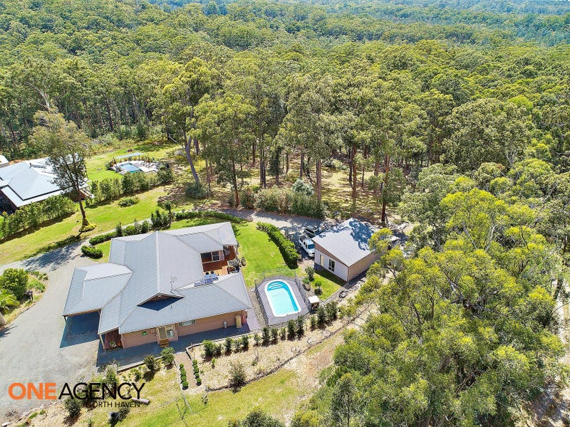 32 Lake Ridge Drive, Kew, NSW 2439