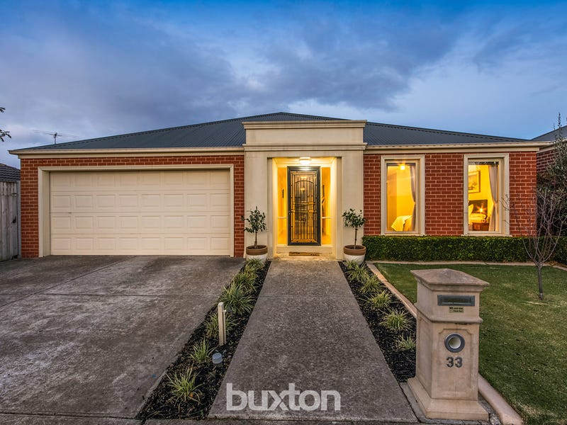 33 Oakwood Crescent, Waurn Ponds, Vic 3216
