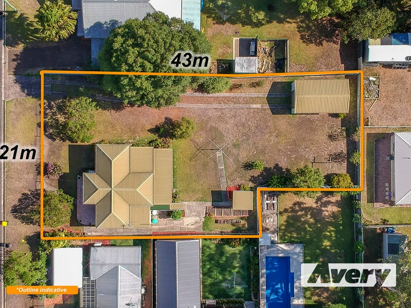 3 Lake Road, Fennell Bay, NSW 2283