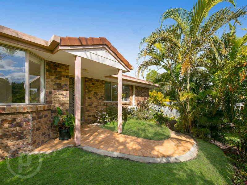 35 Tillbrook Street, Chapel Hill, Qld 4069
