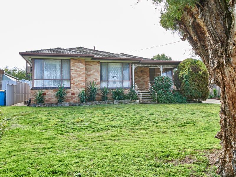 15 Fairbairn Crescent, Kooringal, NSW 2650