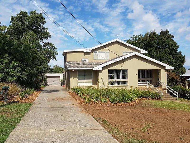 35 Macassar Street, Cowra, NSW 2794