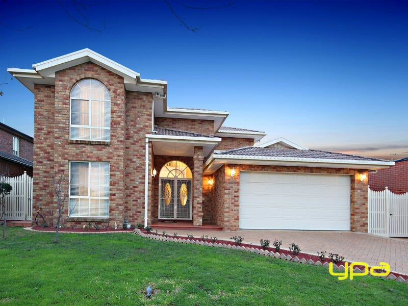 4 Pacific Place, Taylors Lakes, Vic 3038