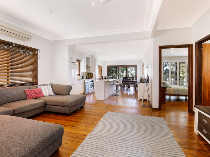 7 Hill Street, Mount Saint Thomas, NSW 2500