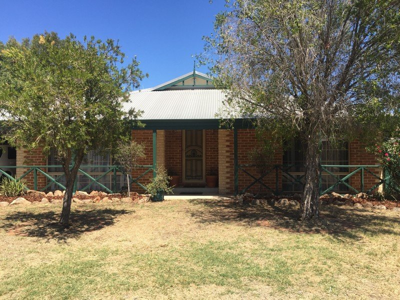 2 Beenan Elbow, South Guildford, WA 6055