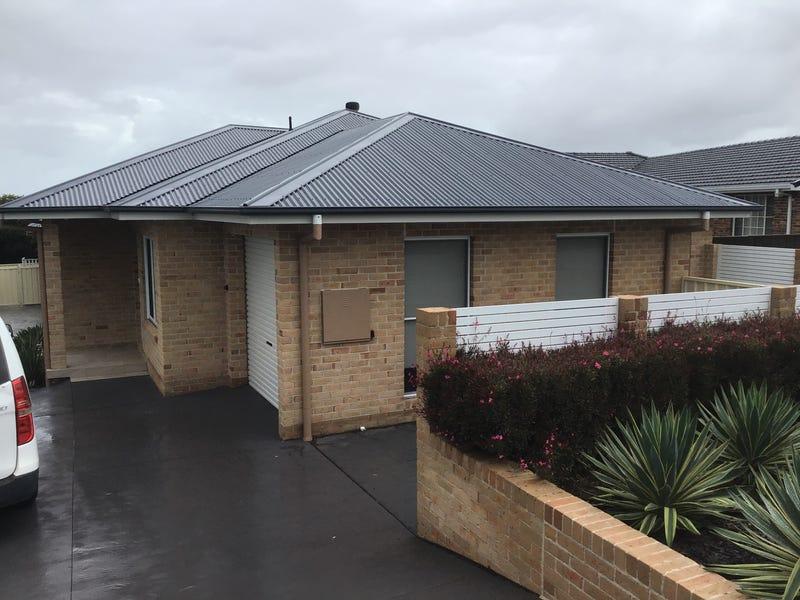 1/15 Sunday Crescent, Horsley, NSW 2530