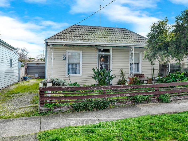709 Doveton Street North, Soldiers Hill, Vic 3350