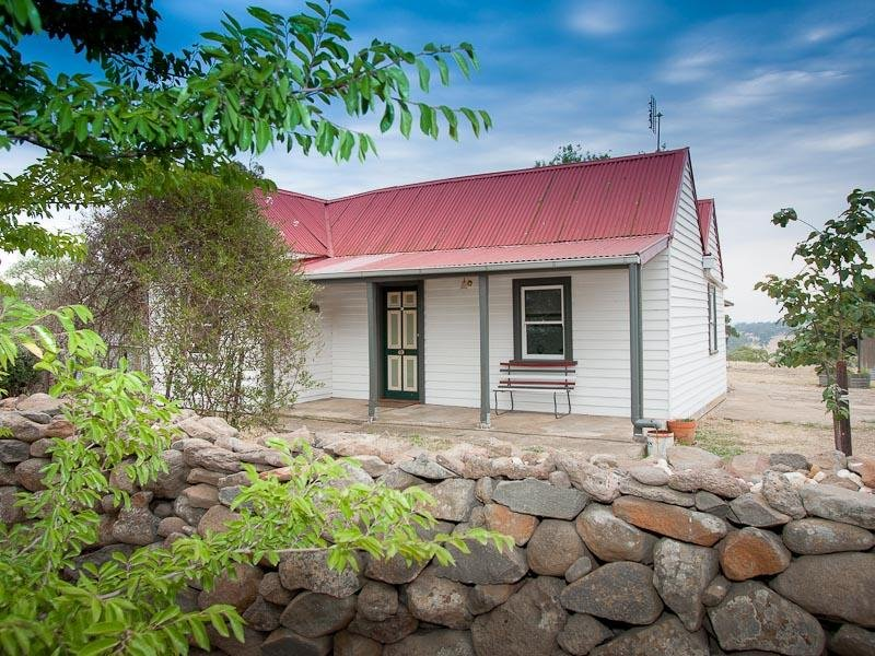 11 Clarke Street, Redesdale, Vic 3444