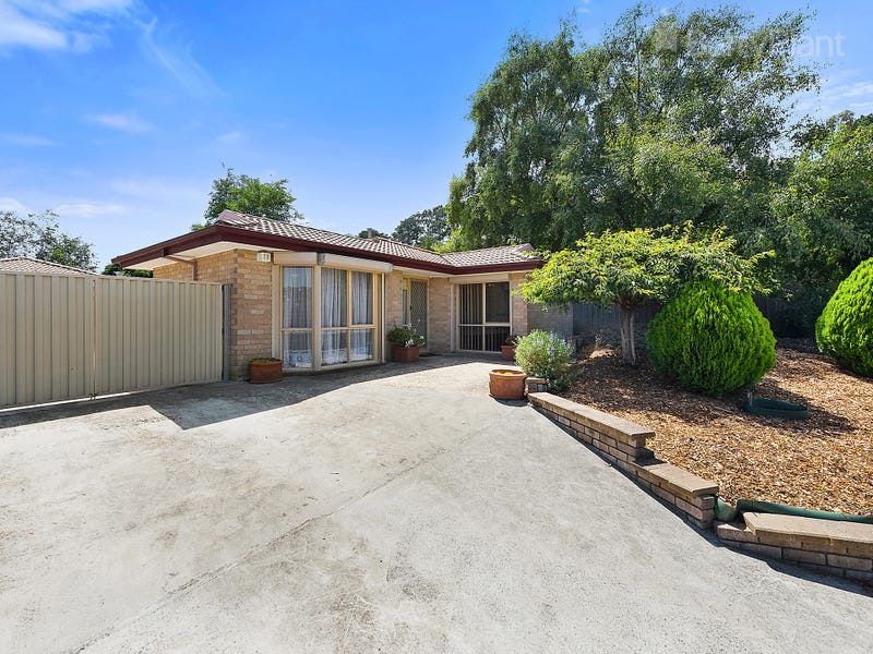 11 Jodie Place, Kilsyth South, Vic 3137