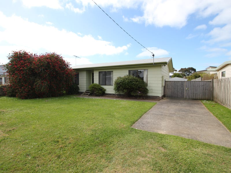 20 Carapooka Way, Cowes, Vic 3922