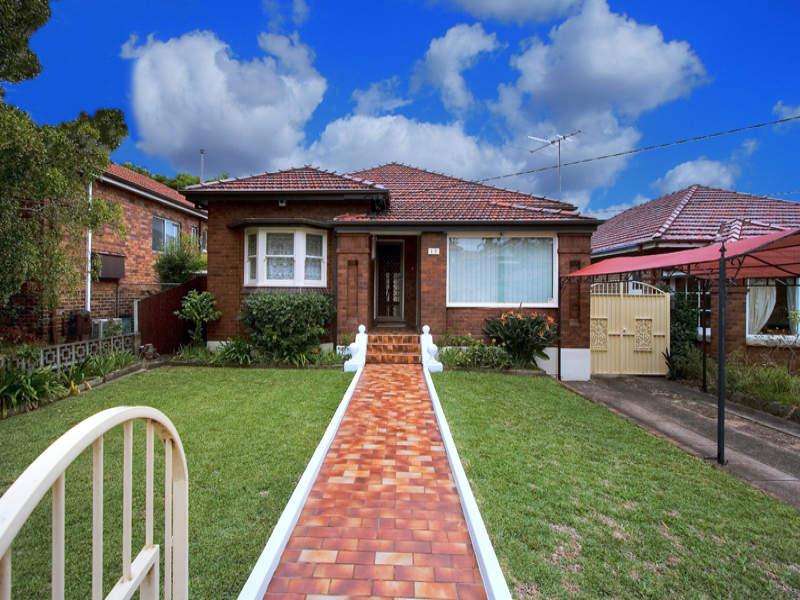 13 Glenview Avenue, Earlwood, NSW 2206