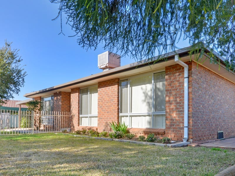 4 Gibson Court, Griffith