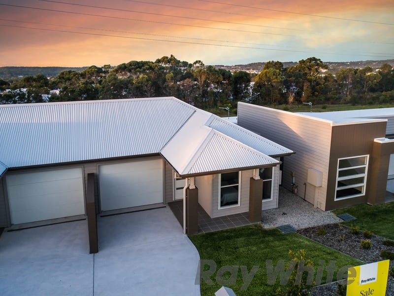 32 Blantyre Road, Macquarie Hills, NSW 2285