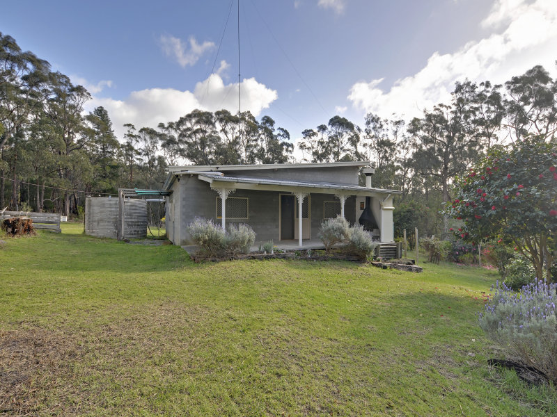 12 Old Carrajung Road, Carrajung, Vic 3844