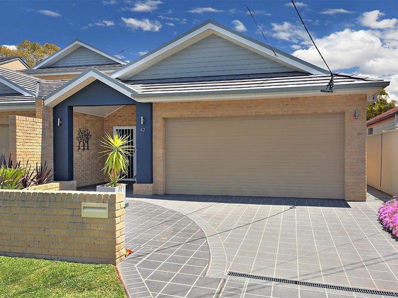 42 Kennedy Street, Picnic Point, NSW 2213