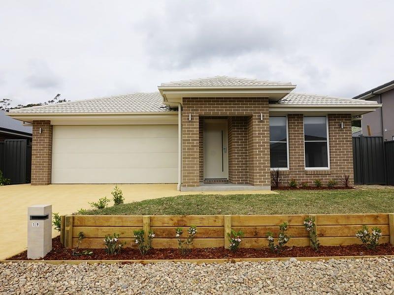 19 Pickard Street, Thirlmere, NSW 2572