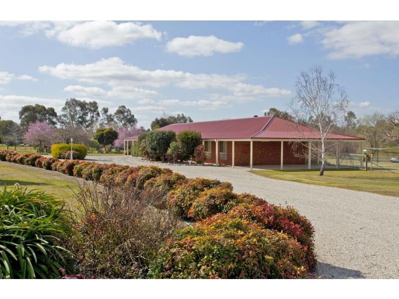 17 Willow Way, Table Top, NSW 2640