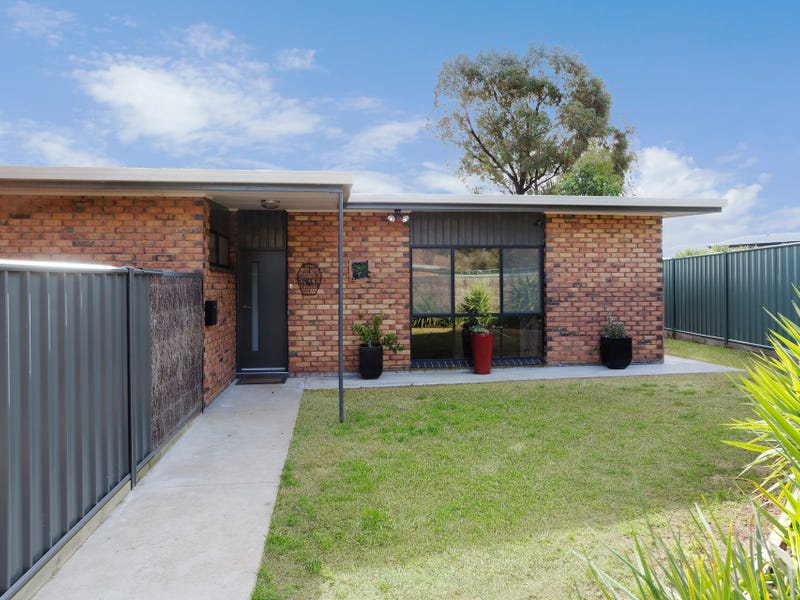 1/9 Aviary Court, Strathdale, Vic 3550