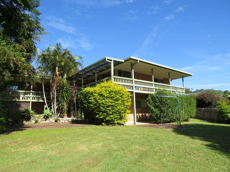 17 Sea Breeze Place, Boambee East, NSW 2452