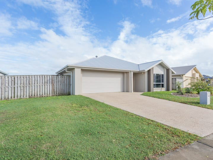 76 Whitehaven Drive, Blacks Beach, Qld 4740