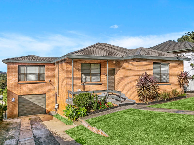 15 Canberra Road, Lake Heights, NSW 2502