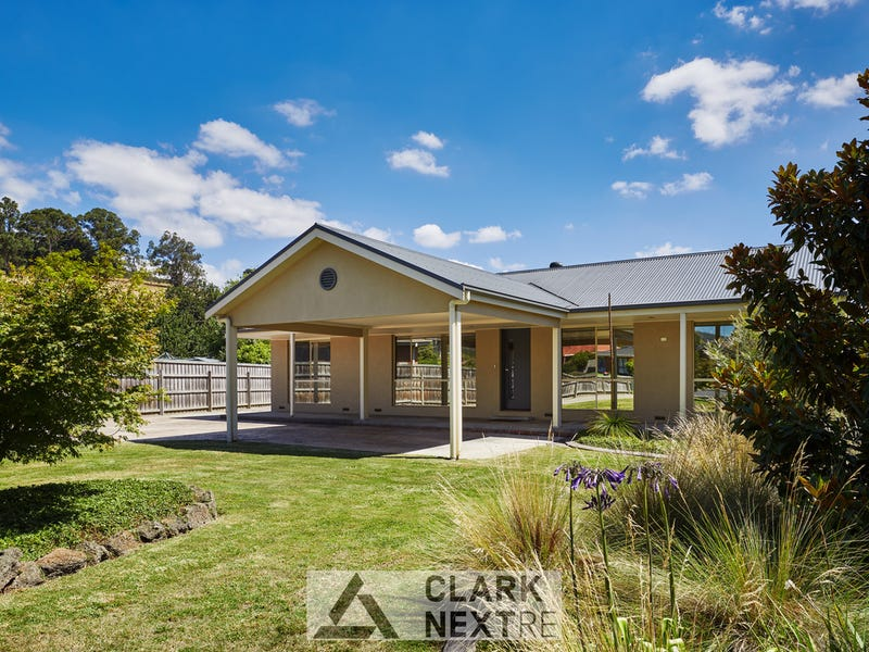 27 Edward Crescent, Trafalgar, Vic 3824