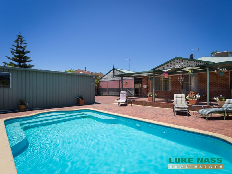 152 Brown Crescent, Seville Grove, WA 6112