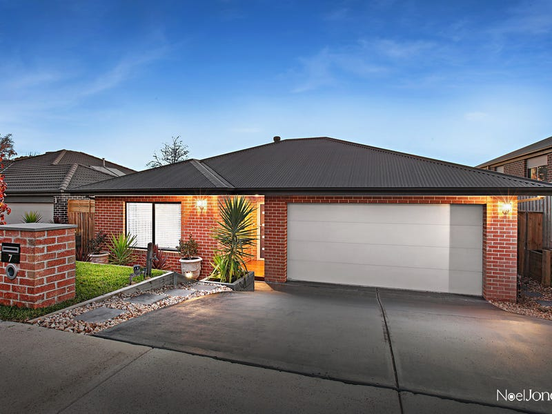 7 Tiverton Circuit, Mooroolbark, Vic 3138