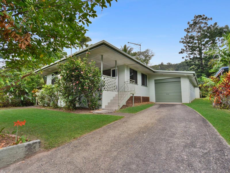 11 Bradford Street, Whitfield, Qld 4870