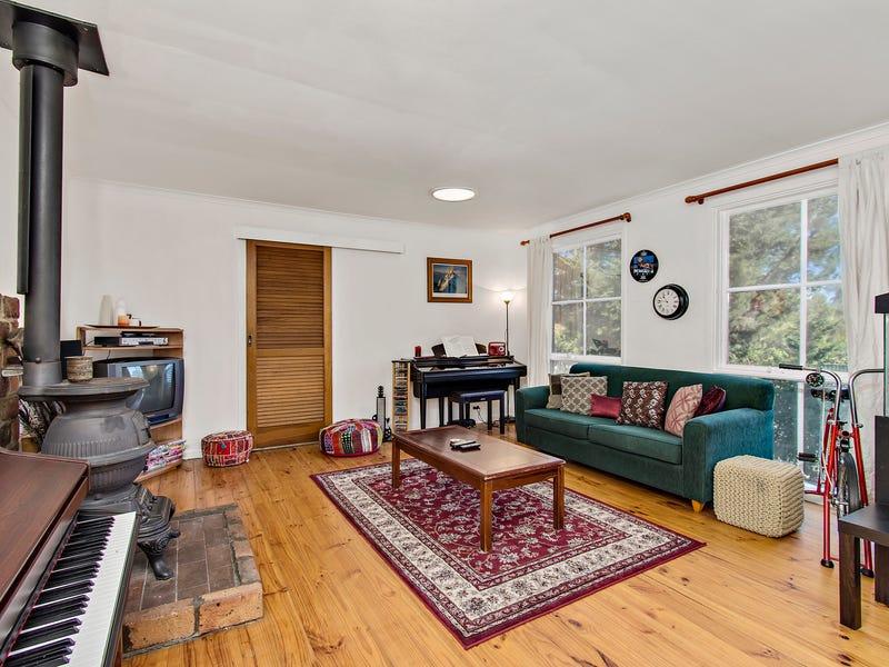 3 Stuckey Place, Charnwood, ACT 2615