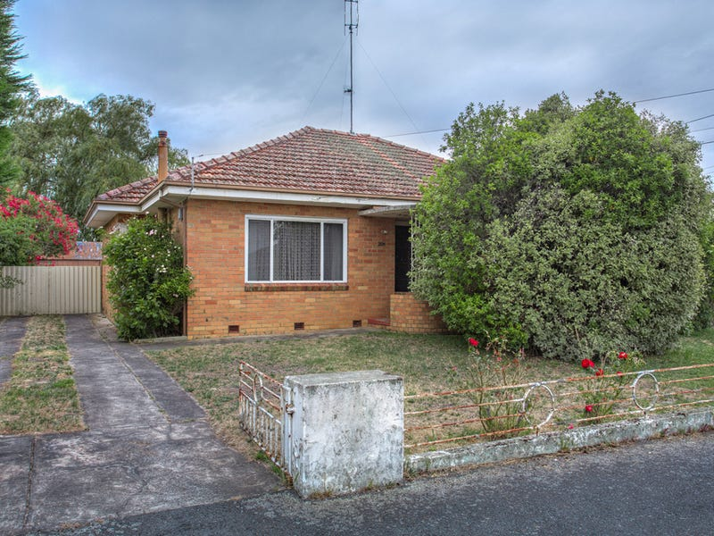 206 Eureka Street, Ballarat East, Vic 3350