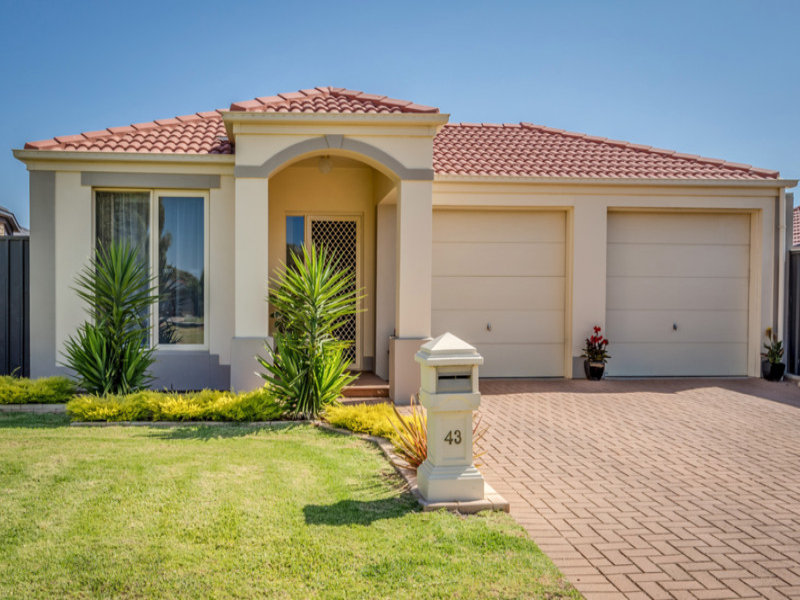 43 Lakeside Drive, Andrews Farm, SA 5114