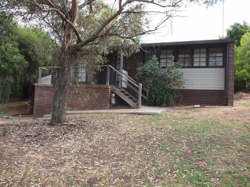 1,2 and 3/91 Twynam, Narrandera, NSW 2700