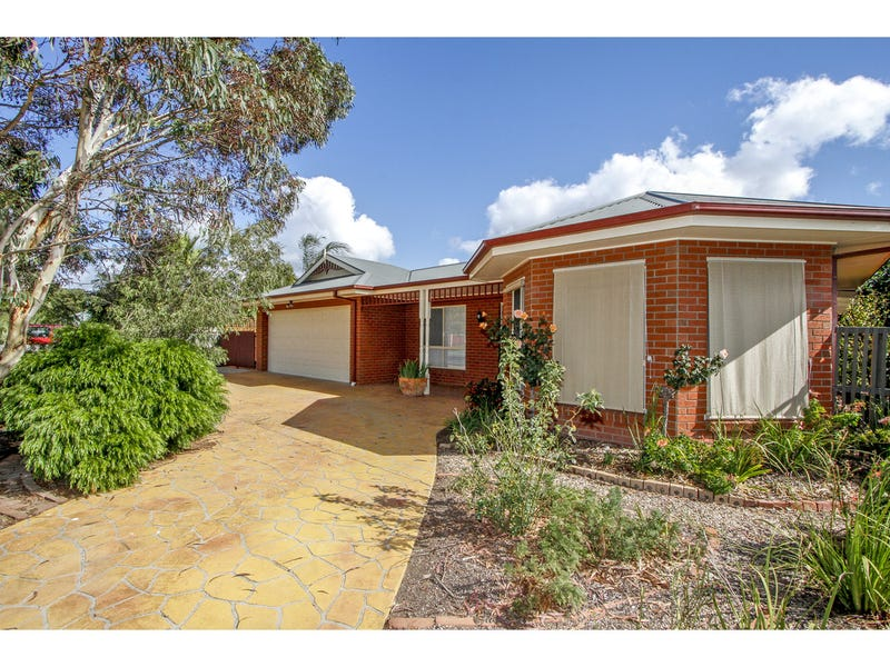 15 Mark Avenue, Sale, Vic 3850