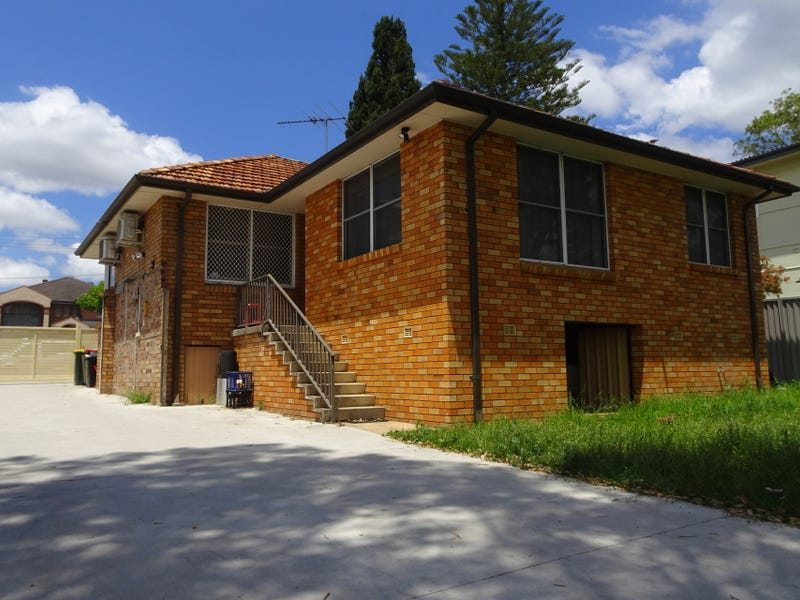 2/22 Woodburn Avenue, Panania, NSW 2213