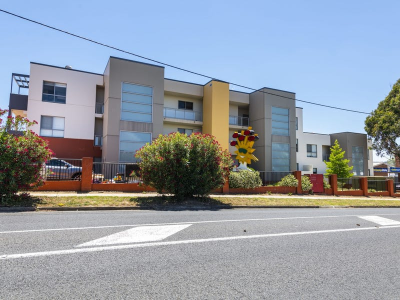 13D/17 Uriarra Road, Queanbeyan, NSW 2620