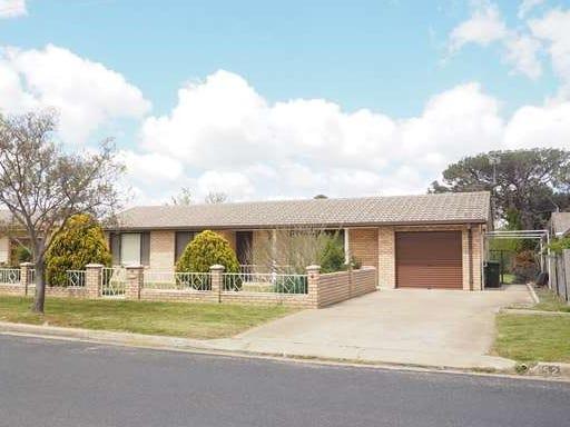 52 Rowan Avenue, Uralla, NSW 2358