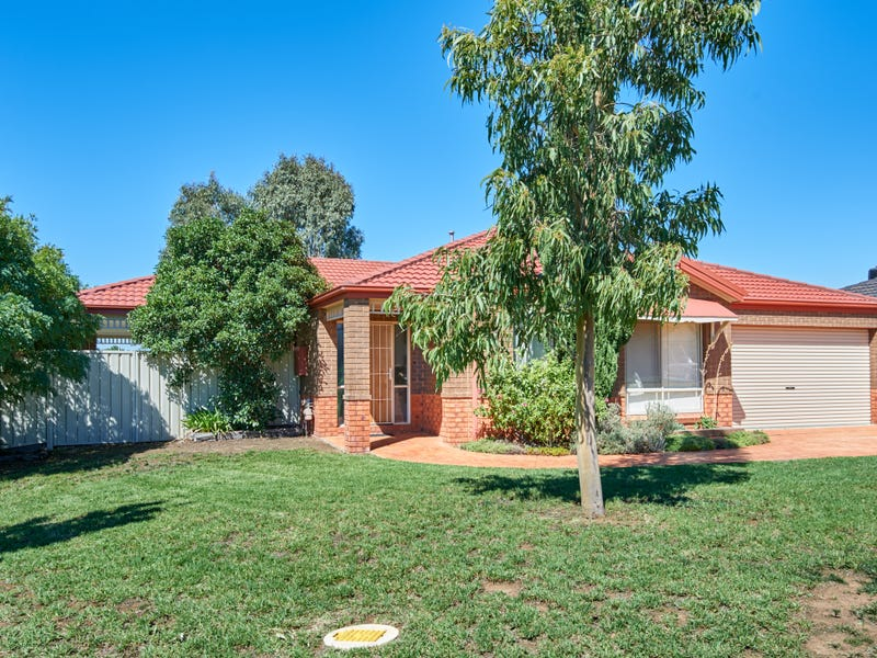 12 Walla Place, Glenfield Park, NSW 2650