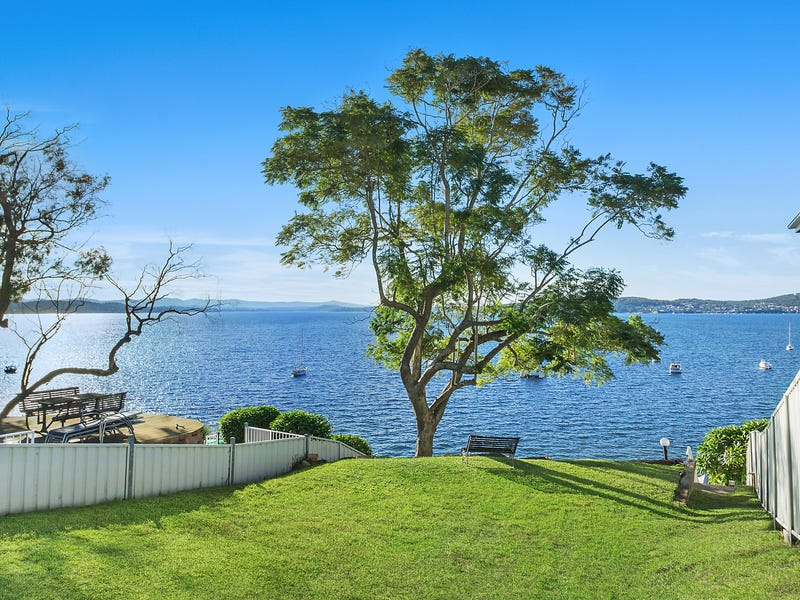 153 Marks Point Road, Marks Point, NSW 2280