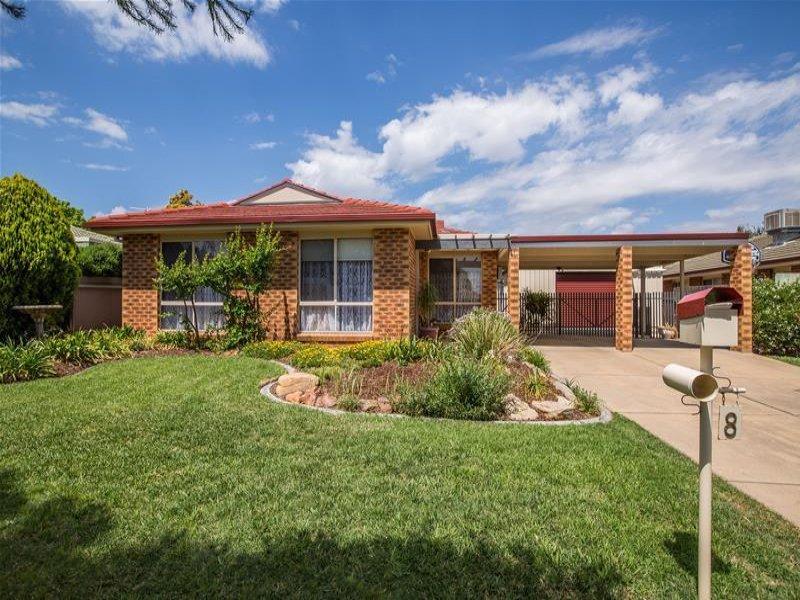 8 Eaton Street, Flowerdale, NSW 2650