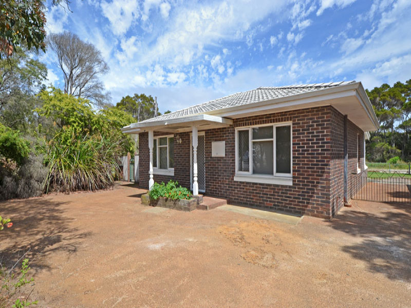 273 Emu Point Drive, Collingwood Park, WA 6330