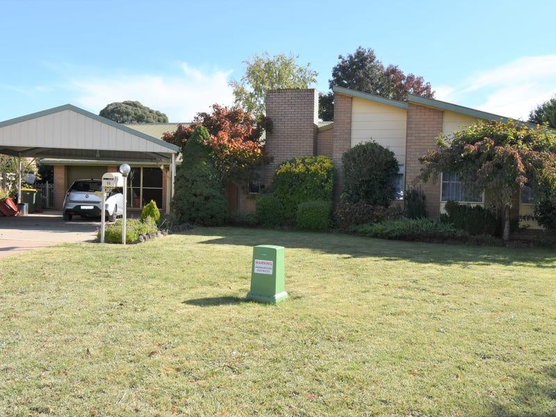 10 Maple Place, Blayney, NSW 2799