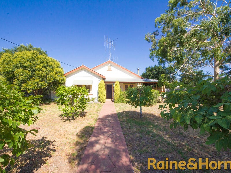 136 Third Avenue, Narromine, NSW 2821