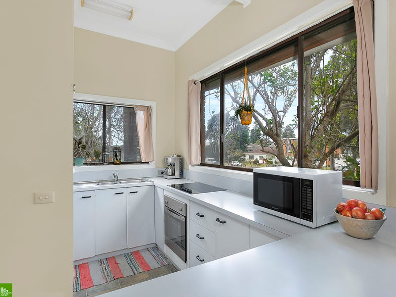 2/233 Lawrence Hargrave Drive, Thirroul, NSW 2515