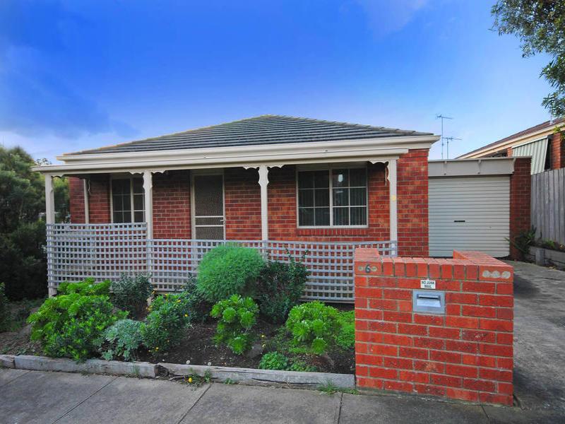 2/6 The Fairway, North Geelong, Vic 3215
